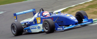 BF3 Van der Merwe gets round three pole at Snetterton