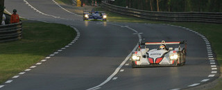 Le Mans Kristensen closes up on leader Smith
