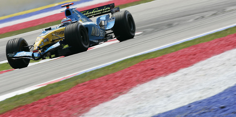 Alonso on provisional pole for Malaysian GP
