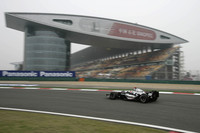 McLaren on top in Chinese GP Saturday practices