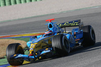 Alonso fastest again at Valencia