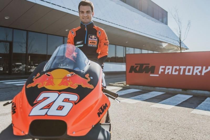 Dani Pedrosa besucht erstmals KTM: