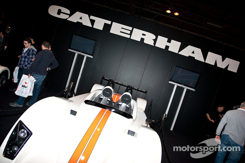 Team Lotus owner Fernandes to buy carmaker Caterham - report