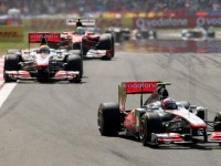 Button rages against Vettel's title stroll