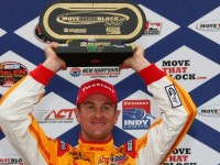 Hunter-Reay ends up with Loudon win under red flag