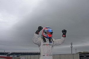 BF3 Magnussen wins race 1 easily at Silverstone