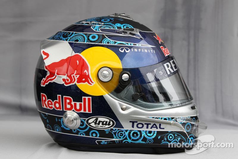Vettel gifts China GP helmet to Barrichello