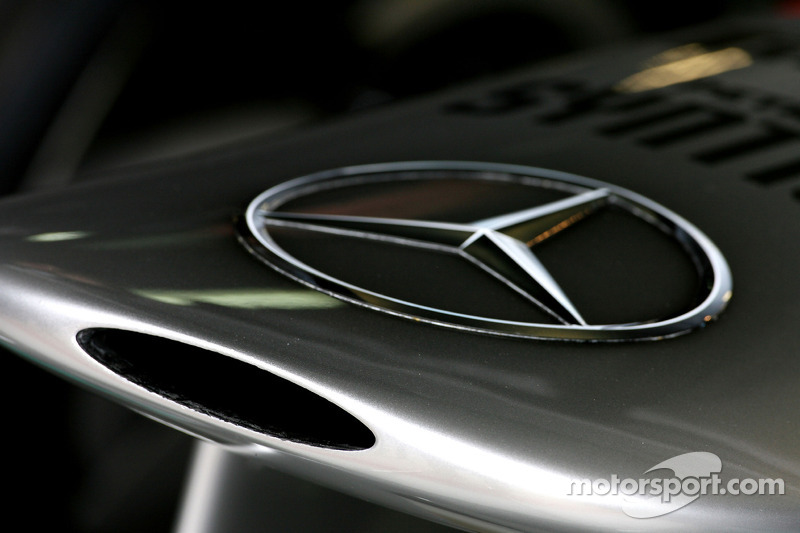 Mercedes quiet on front wing F-duct idea