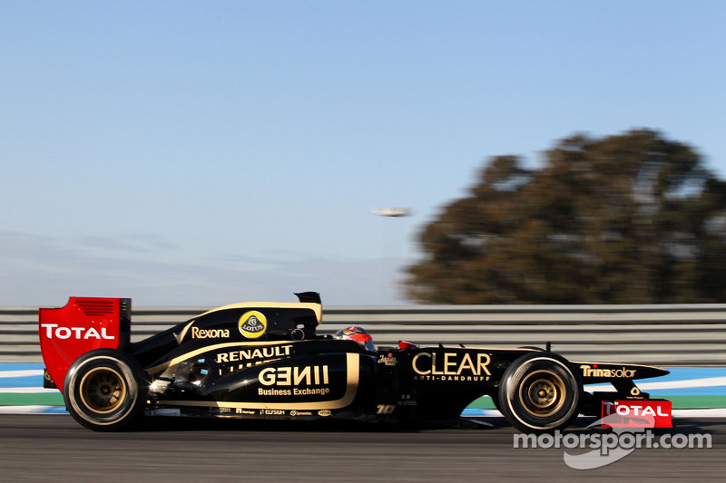 Jerez paddock impressed with 2012 Lotus car