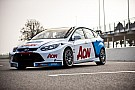 Team Aon launch 2012 season with new livery