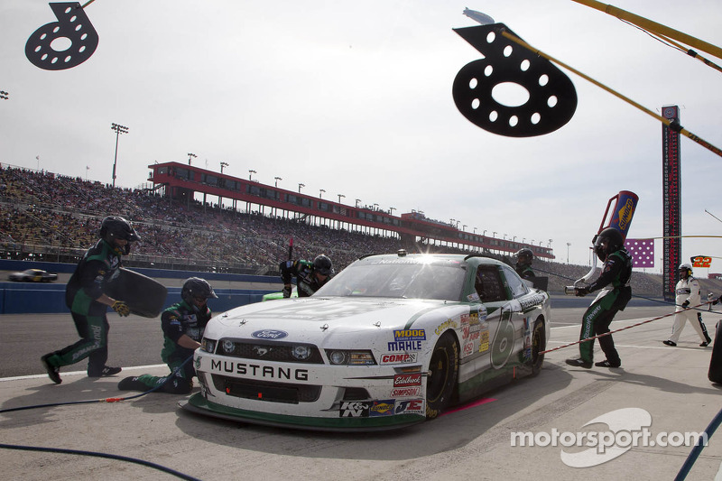 Stenhouse and Ford drivers talk about Fontana 300 race