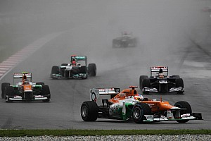 Formula 1 F1 figures back Sepang red flag