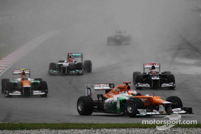 F1 figures back Sepang red flag