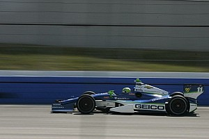 IndyCar Breaking news Tony Kanaan powers to win in second Iowa qualifying heat