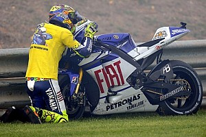MotoGP Breaking news Yamaha officially confirm the signing of Valentino Rossi!