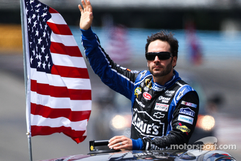 Points leader Johnson leads Chevy teams to second Michigan race