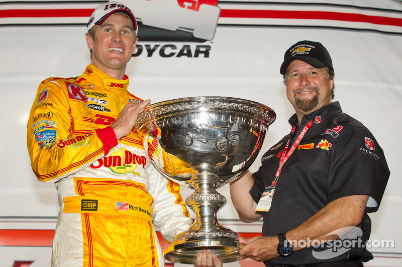 Hunter-Reay enjoys Champion's Day in Manhattan