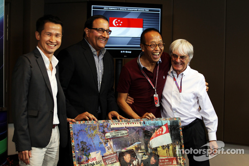 Singapore staying on F1 calendar
