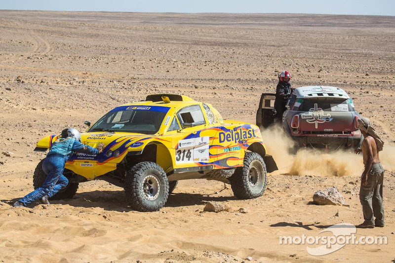Przygonski and Zapletal-Manciej take stage five wins in Pharaons rally