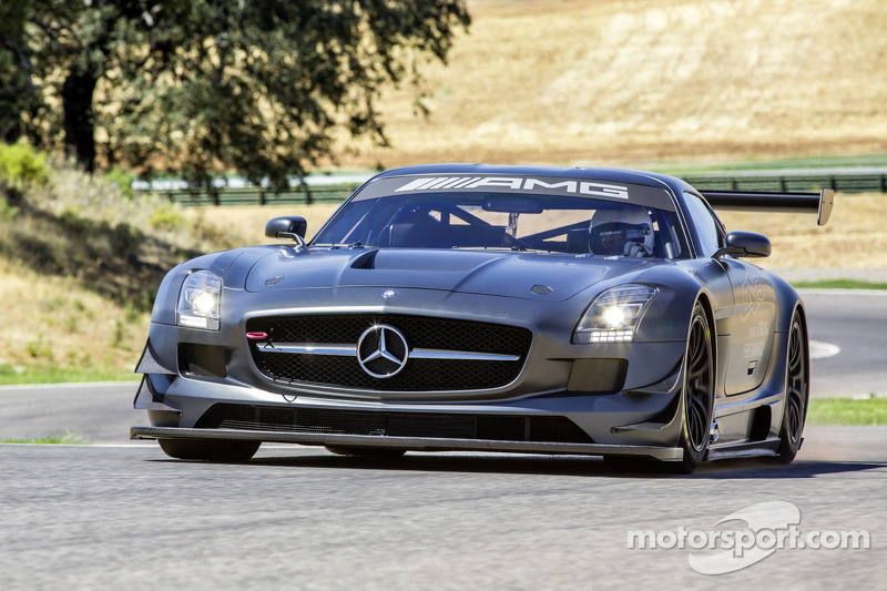 "Mercedes unleashes the new SLS GT3 ""45th ANNIVERSARY"""