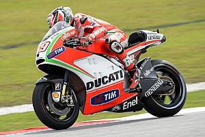 MotoGP Practice report Rain affects Ducati riders day one at Malaysian Grand Prix