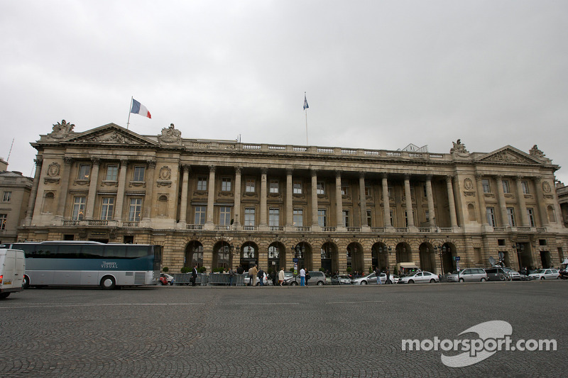 'Customer cars' discussed at F1's Paris meeting