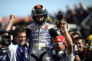 MotoGP Breaking news Championship glory and new record for Lorenzo at Philip Island