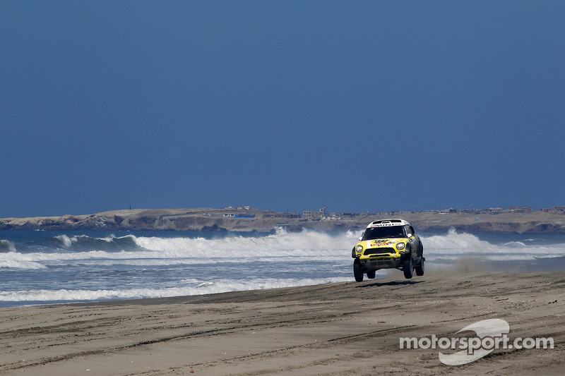 X-raid Team and Peterhansel still hold the overall lead after 4th stage