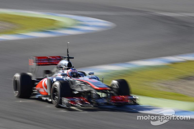 McLaren's Button works on longer runs on Jerez testing day three