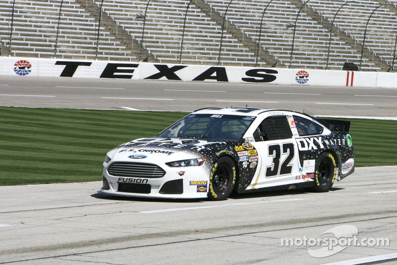 Hill steers No. 32 Ford to 36th place Texas finish