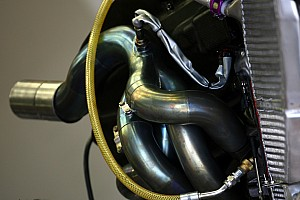 Formula 1 Special feature Renault technical feature: Fuel Systems on V8 era