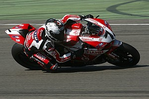 World Superbike Qualifying report Team SBK Ducati Alstare faces difficult conditions at a wet and windy Donington