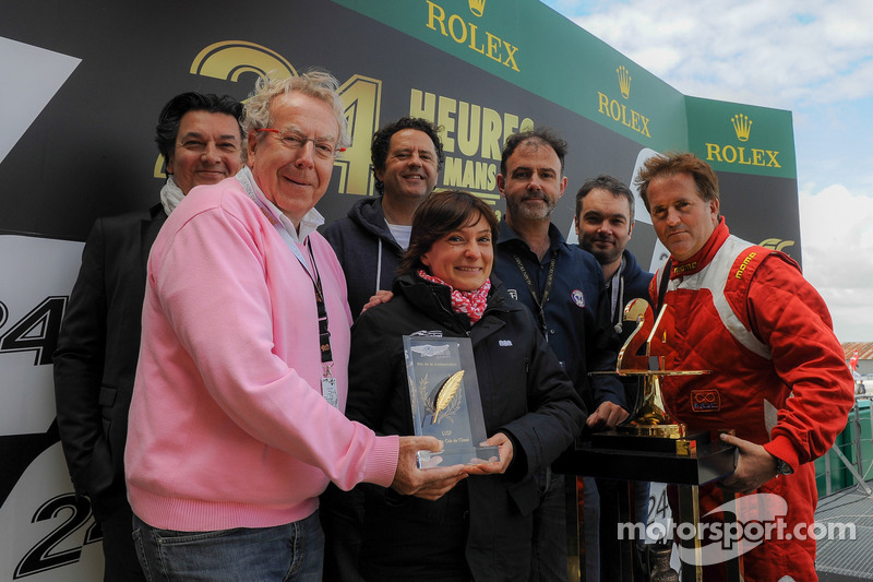 OAK Racing's Stéphanie Val recieves ACO/UJSF Communications award
