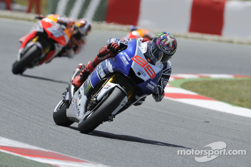 Lorenzo tops day one at Assen but breaks collarbone in afternoon crash