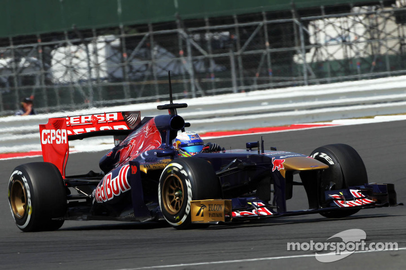 'Very high' stakes as Ricciardo eyes Red Bull - Tost