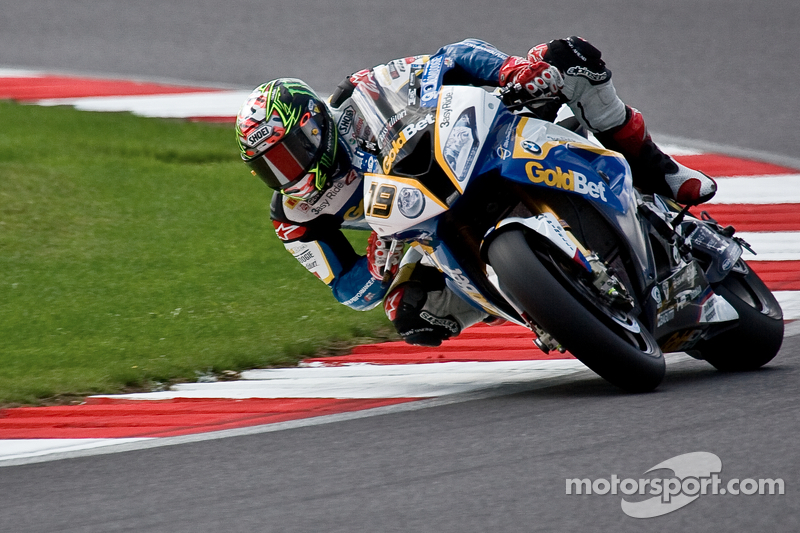 Davies wins race 2 at Nurburgring, Sykes is new leader