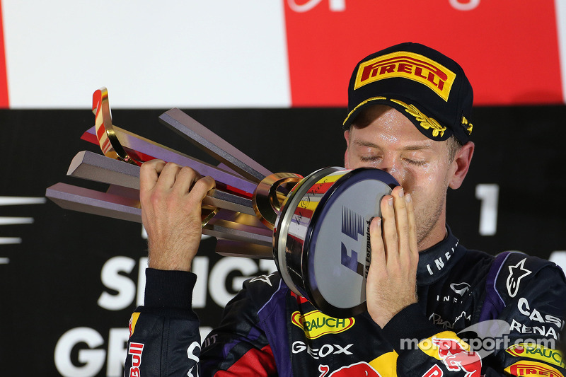 Vettel shines in Singapore for the victory