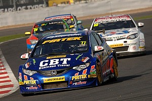 BTCC Race report Series set for dramatic finale after Brands Hatch race 2