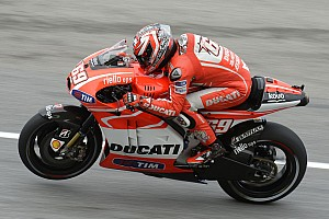 MotoGP Practice report Ducati Team struggles with windy conditions at Phillip Island