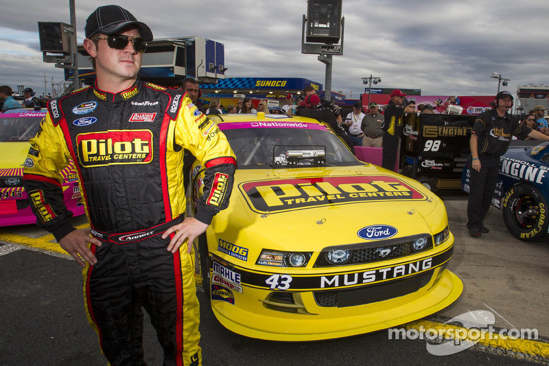 Annett gears up for short-track race Saturday in Phoenix