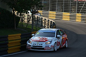 WTCC Race report Muller and Huff finish on high notes at Macau