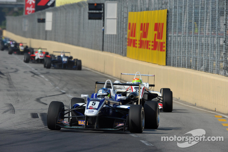 King the fastest man in Macau on dazzling Grand Prix debut