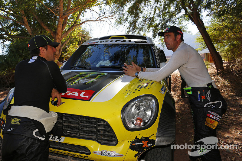 MINI in the overall lead at the intermission of the 2014 Dakar Rally