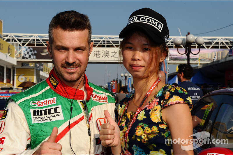 First laps for Tiago Monteiro and the 2014 Honda Civic