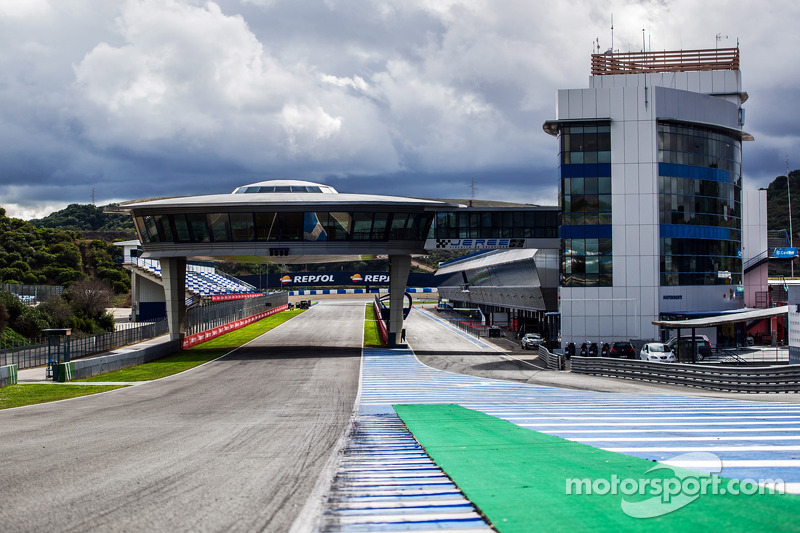 Anticipation high at Jerez as opening test begins