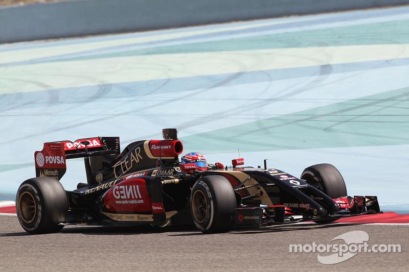 A power unit problem curtails Lotus' Grosjean running in Bahrain