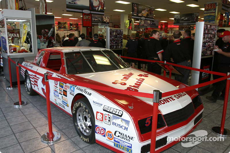 Chevrolet recognizes hendrick motorsports for 30 years of for Charlotte motor speedway museum