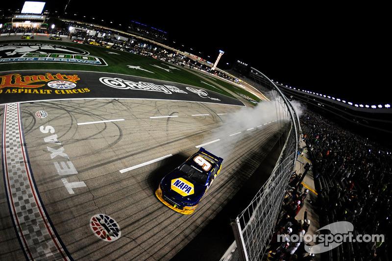 Dale Earnhardt Jr.: JR Motorsports poised for championship run