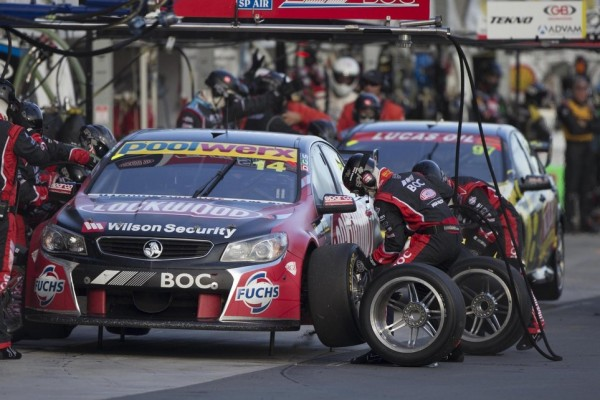 Coulthard maintains strong championship position at Auckland