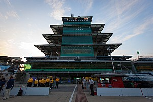 IndyCar Preview Fans flocking into the Indianapolis Motor Speedway
